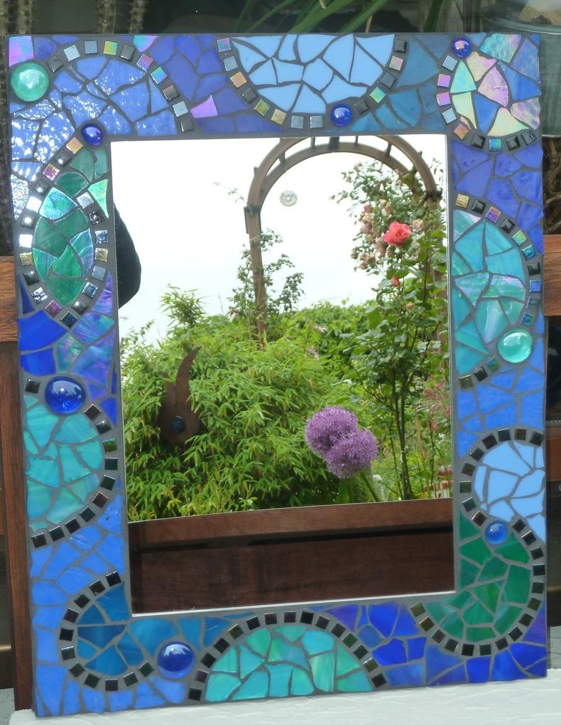Mosaik spiegel individuelle mosaikspiegel - Spiegel im garten ...