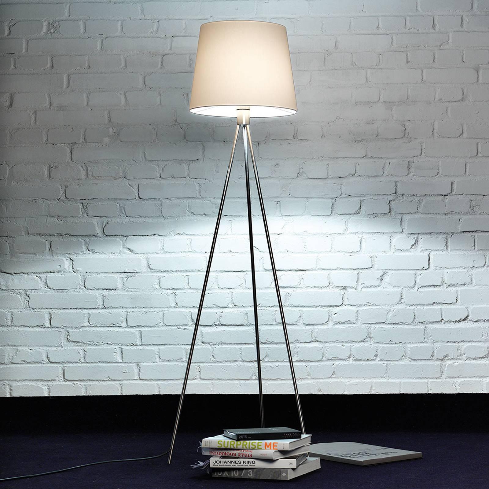 Dreibeinige Stehleuchte stehlampen von knapstein und andere lampen für wohnzimmer. online