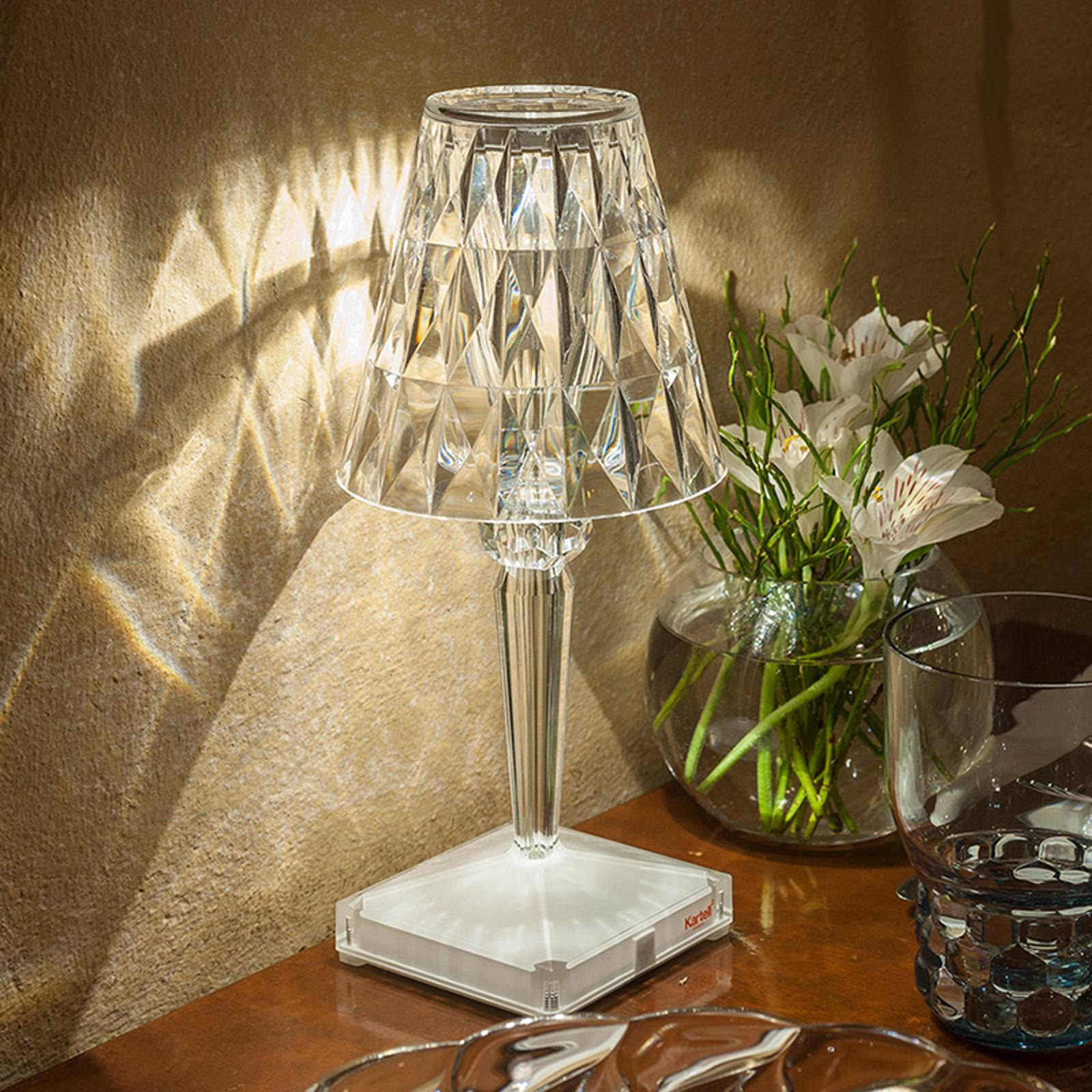 Kartell Battery - LED-Tischlampe IP54, transparent von Kartell