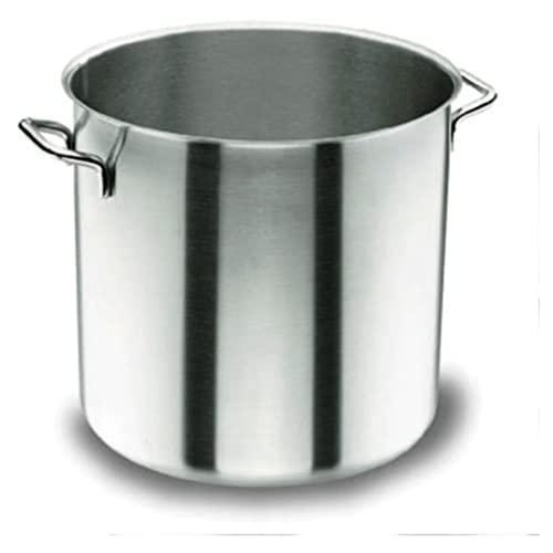 Töpfe von Lacor und andere Küchenausstattung für Küche bei
